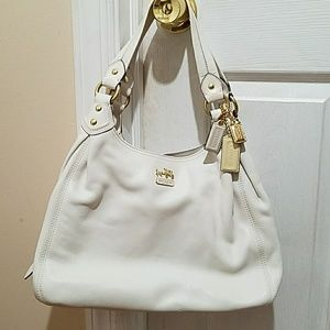 Coach Handbags - Hangbag