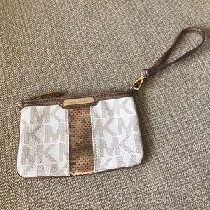 Michael Kors Handbags - Michael Kors wristlet!