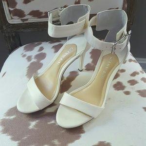 Gianni Bini Shoes - Gianni Bini | White Open Toe Ankle Strap Pumps
