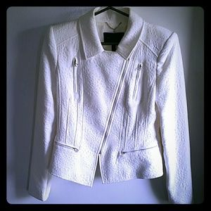 BCBGMaxAzria Jackets & Blazers - BCBG white textured moto jacket size Medium