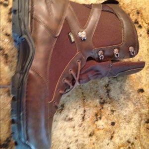 Danner Other - Danner pronghorn boots-gortex never been worn!