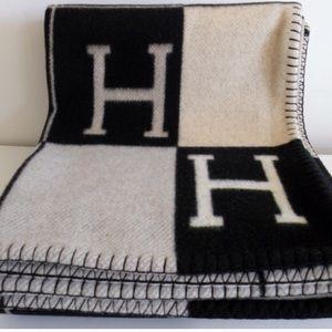 Hermes Other - H blanket/shawl