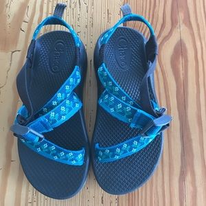 Chaco Other - Girls Chacos size 1