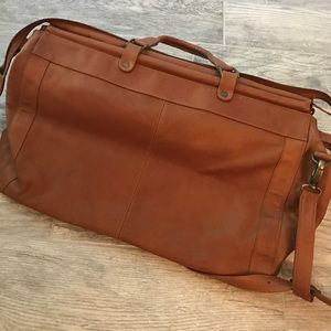 Bags - Beautiful genuine leather travel bag!
