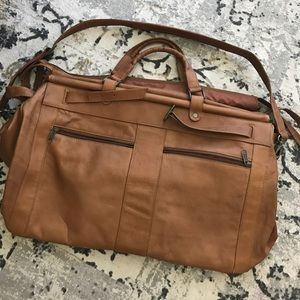 Beautiful genuine leather travel bag!
