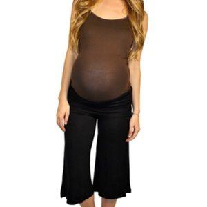 Motherhood Maternity Pants - EUC maternity gauchos