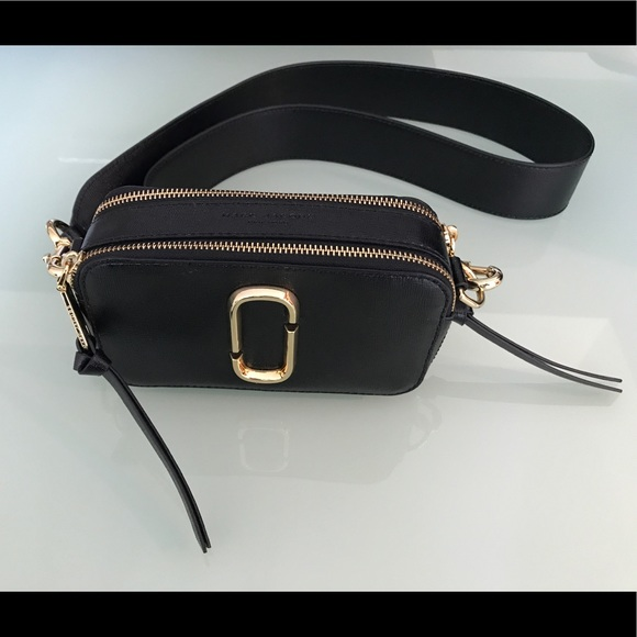 a159eed5c913c Marc Jacobs Snapshot Small Leather Camera Bag