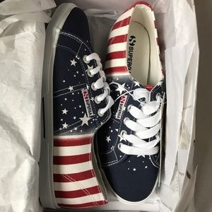 Superga Shoes - NWT Superga canvas American flag sneakers