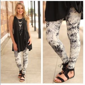 Infinity Raine Pants - 🆕Buttery Soft Black and Cream Tie Dye Leggings🆕