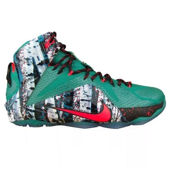 22487a1cfad851 Nike Lebron XII Christmas Basketball Shoes Sz 10.5
