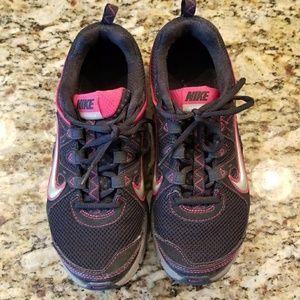 Nike Shoes - Nike Alvord 9 tennis shoes