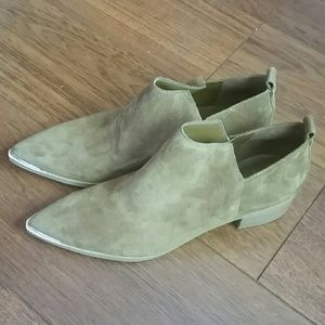 Marc Fisher Shoes - Marc Fisher LTD 'Yamir' Suede Ankle Bootie