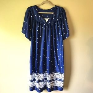 Other - 💥4/$20💥 Navy and White Patio Dress Coverup
