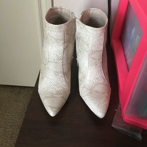 "Wild Diva Shoes - Cream ""snake skin"" booties! NEVER WORN"