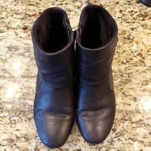 Shoes - Baretrap black ankle booties.