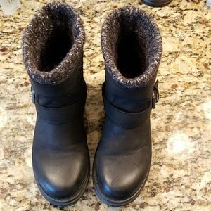 Roxy Shoes - Roxy black booties.