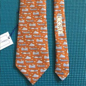 Men's Vineyard Vines custom collection silk tie