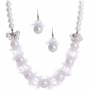 Nordstrom chunky pearl jewelry set, new condition