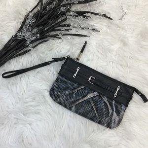 Simply Vera Vera Wang Handbags - SIMPLY VERA VERA WANG WRISTLET