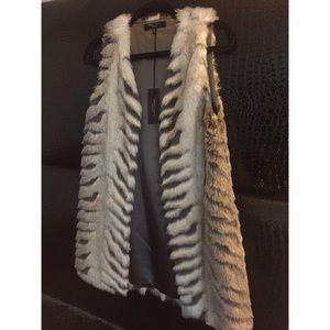 Romeo & Juliet Couture Jackets & Blazers - New Faux fur vest