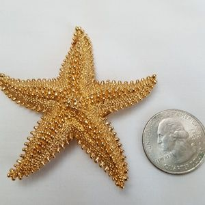 Accessories - Vintage Starfish pin gold tone