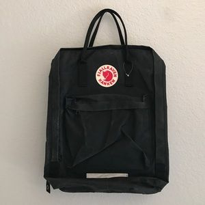 "Fjallraven Handbags - FJALLRAVEN KÅNKEN • Large 17"" laptop backpack NWOT"