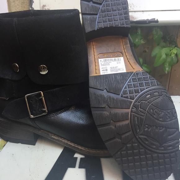 Clark Artisan Women S Shoes Buckle Black