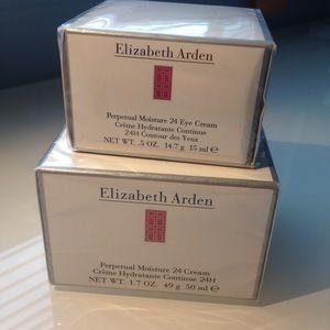 Elizabeth Arden Other - Elizabeth Arden Perpetual Moisture 24 Cream Set