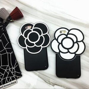 Accessories - iPhone 7 Plus Flower Case