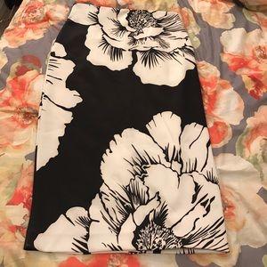 New York & Company Black and White Flowered Skirt