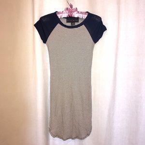 Polly & Esther Dresses & Skirts - 🎀NWOT Comfortable short dress👗