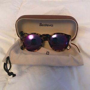 Illesteva Accessories - Ilesteva pink lense Leonard sunglasses