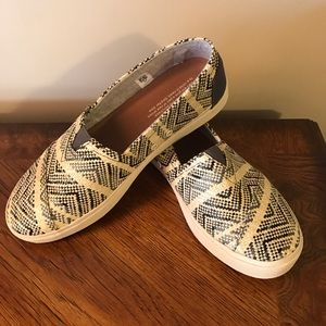 TOMS Shoes - Toms Avalon