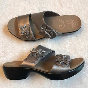 Dansko Shoes - Dansko pewter sandals