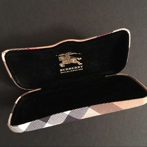 Burberry Accessories - Burberry Eye Glasses Case