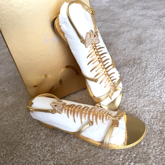 916d2de00df5 GIUSEPPE ZANOTTI Gold Leather Fish Bone Sandals