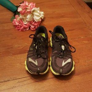 Brooks Shoes - [Brooks] Pure Flow Shoes