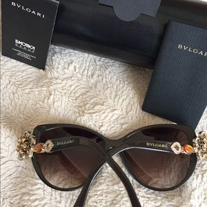 Can't fit on me brand new bvlgari sun glasses