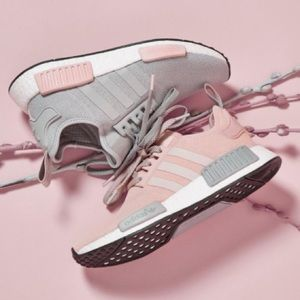 Adidas Schuhes New Pink Nmd R1 Vapour Pink New Poshmark 671c47