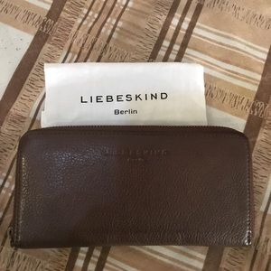 Liebeskind Handbags - 🌸NWOT Liebeskind Zipper leather Wallet