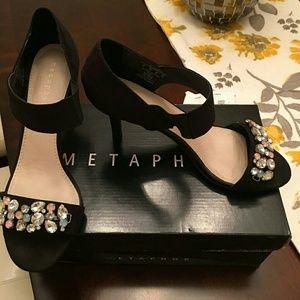 Metaphor Shoes - Black heels