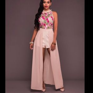 Dresses & Skirts - Embroidered beige/pinkish maxi