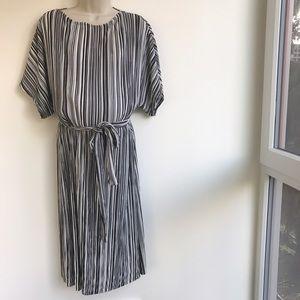 Topshop MATERNITY Dresses & Skirts - TOPSHOP Maternity Belted Plissé Batwing Dress
