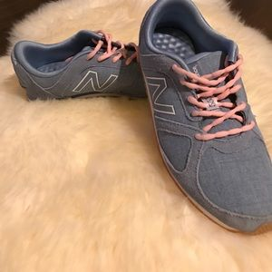 New Balance Shoes - EUC New Balance 555❗️SALE❗️