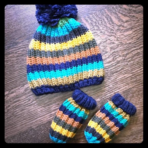 c30722eeb91 Striped Infant Hat   Mittens Set- Next Direct. M 58faf9c65a49d0e573093a46