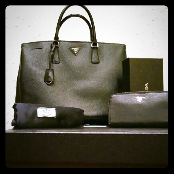 Prada Saffiano Lux large tote bag and wallet. M 58fafb03620ff731e209471f b8d58ea1b0