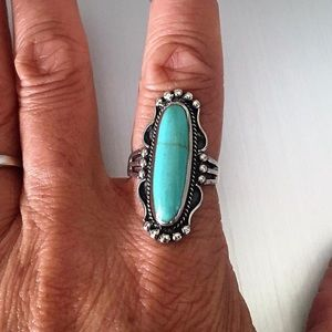 Jewelry - 💞TOP SELLER💞Silver Ring with Synthetic Turquoise
