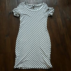 A Pea in the Pod striped dress with side zips