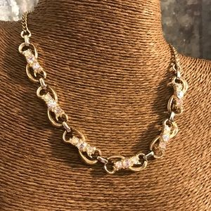 Vintage Jewelry - ♨New Listing♨ Lovely Vintage Necklace