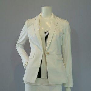 Banana Republic Jackets & Blazers - White Banana Republic fitted Blazer Sz 0 NWT